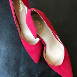 Red Pumps • NEVER BEEN WORN •