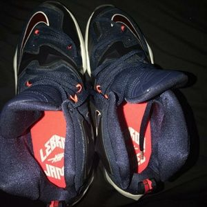 NIKE AIR ZOOM MAX LEBRON JAMES XIII USA OLYMPIC