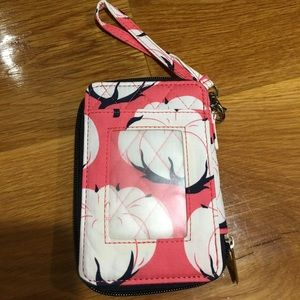 🌸🌸COTTON FIELDS CORAL QUILTED WRISTLET🌸🌸