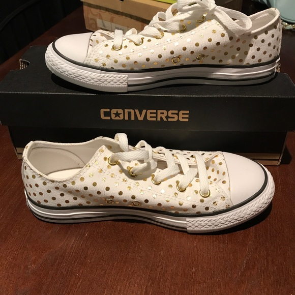 6db073fc393b47 White and gold polka dot converse sneakers