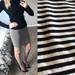 H&M cotton cream & black mini skirt