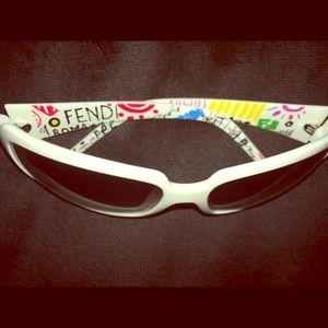 FENDI Auth Logo Sunglasses