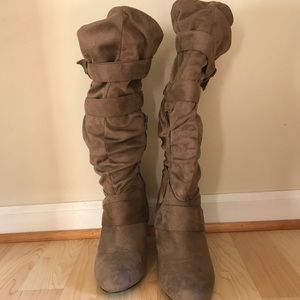Winter Brown suede boots