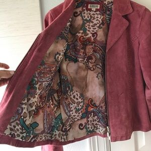 Dusty rose fitted leather jacket with zip front