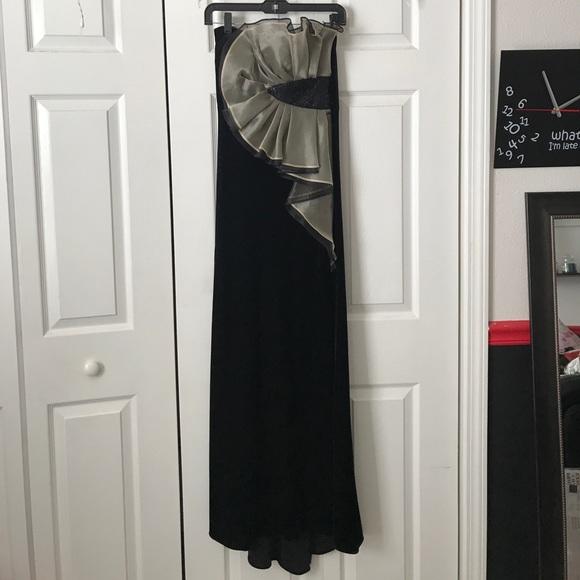 Betsy & Adam Dresses & Skirts - Betsy & Adam Velvet Gown