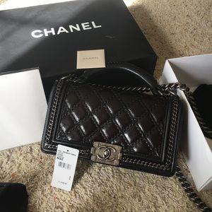 Chanel Boy Flapbag with handle