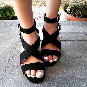 🆕//The Shannon// Black criss cross Sandal