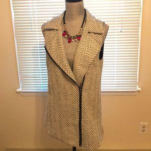 Tops - Chevron stylish vest