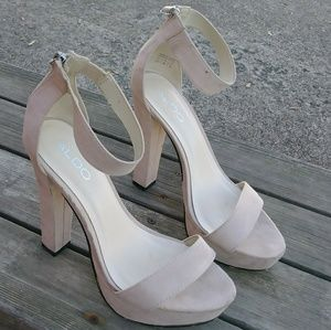 Aldo heels size 8.5