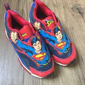Boys light up Superman tennis shoes size 12