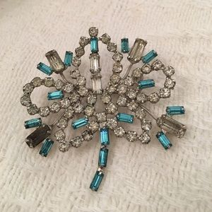 Huge prong set sparkling glass white and blue pin