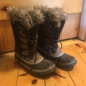 Sorel Women's Joan of Arctic Boots; Size 9
