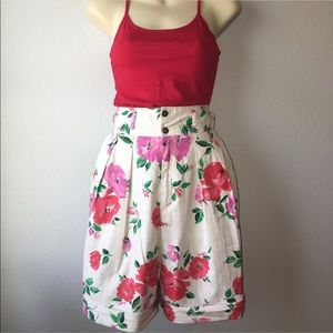 1980s pleated floral shorts