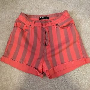 Urban outfitters shorts size 27