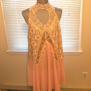 Tops - Georgous floral lace tunic