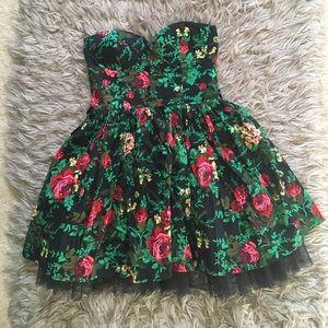 💸🌸 Sans Souci Pinup Flower Dress Size Small