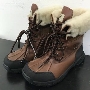 NWOT UGG Hiking/Duck Boots