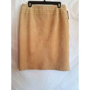 Bandolino Size 10 Suede Leather Straight Skirt