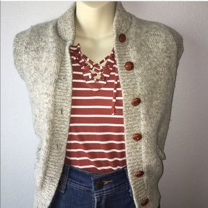 Button up sleeveless vest