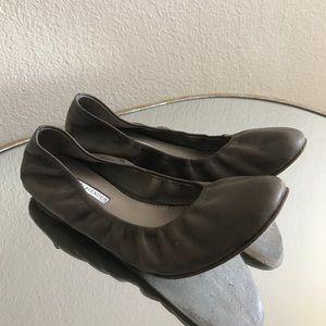 Vera Wang Calf Skin Ballerina Flats
