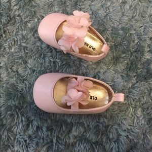 Old Navy Baby girl shoes size 6-12 months
