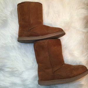 Nordstrom Rack Girls brown boots size 1