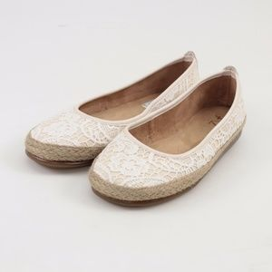 A2 by Aerosoles Rock Solid Espadrille Flats // 7.5