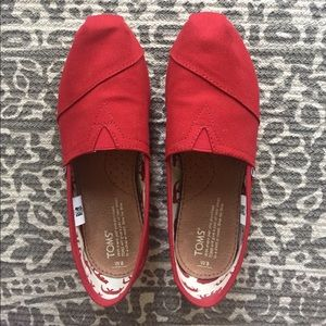 Red Canvas Women's Classic Toms
