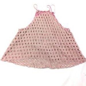 NWOT. Never worn spattering strap halter. Pink. M