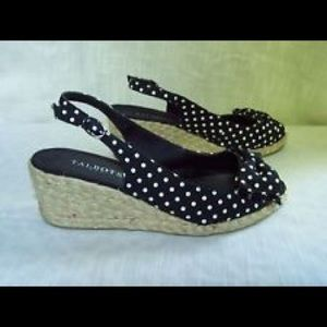 Polka-dot wedges