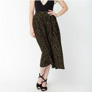 🆕Rare American Apparel Midi Floral Black Skirt