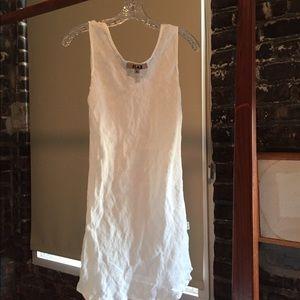 """White 💯 linen dressz. White. 5'2""""""""-5'4"""" Dress S"""