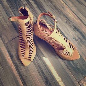 Rebecca Minkoff heels size 8 gently used so cute