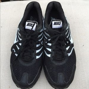 Nike Air Women's Black Torch 4 Sneakers