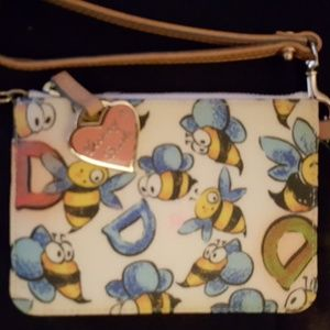 Bee's collection wristlet