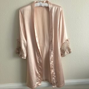 Other - Vintage Light Blush Pink Floral Embroidery Robe