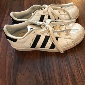 Adidas superstar sneakers. Size US 4 but fits 7