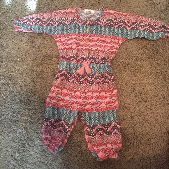 52849f214afa Jessica Simpson Other - Jessica Simpson- Baby Girl Long Sleeve Romper