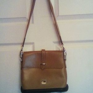 DOONEY & BOURK CROSSBODY W/ WALLET