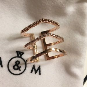 Astrid and Miyu mystic ring in rose gold