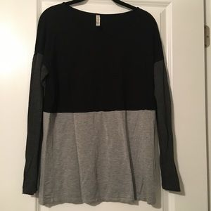Kensie stretchy tunic long sleeve top