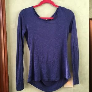 NWOT Tobi long sleeves with opening in the back