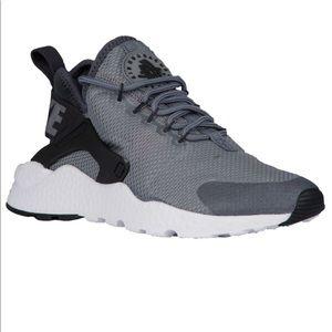 Women's Nike Huarache Run Ultra ‼️