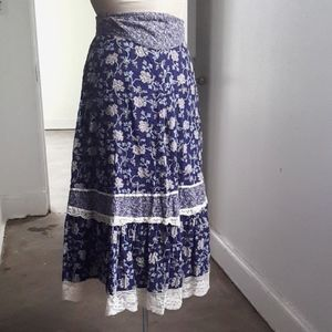 Cotton boho skirt with lace and self tie