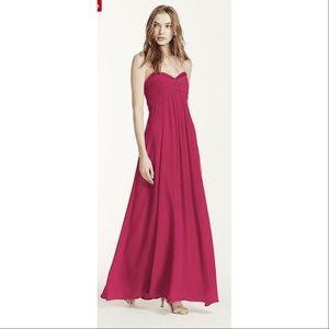 Dresses & Skirts - Long elegant dress with sweetheart neckline