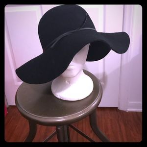 Fabulous Untouchable Hat!