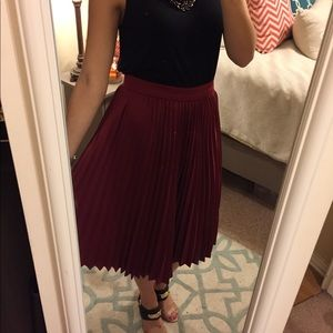 Maroon A-Line Skirt. Size S. NWT.