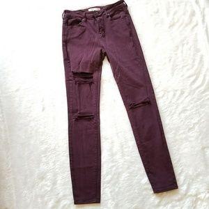 Bullhead Distressed Highwaist Jeans!