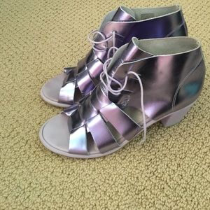 Lavender metallic Sandals