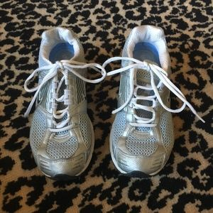Ladies Nike Air Max. Color Blue/ Silver. Size 7.5.